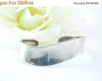 1 Day Sale Simple Curvy Cuff Bracelet Sterling Silver 15.8g Vintage Estate