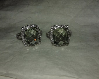 Vintage sterling silver ring w/gemstone (one of a kind)