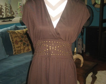 Super Comfortable Brown Top w/ studded waist front