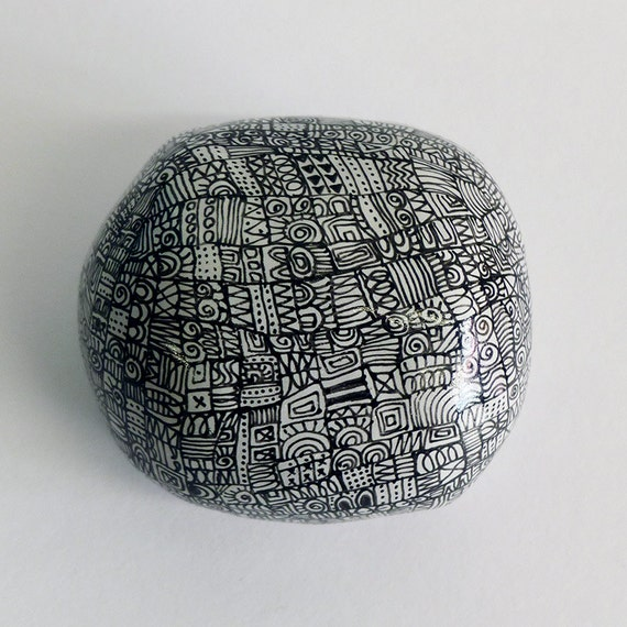 Ceramic pebble hand-painted - My castles in Spain / Collection