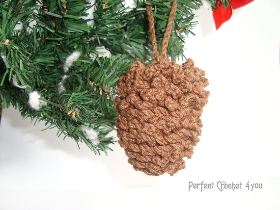 Crochet pinecone pattern for christmas applique christmas for Fir cone christmas tree decorations