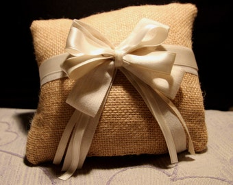 Pillow for wedding ring