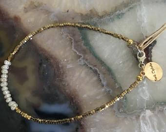 Hematite + Freshwater Pearls bracelet