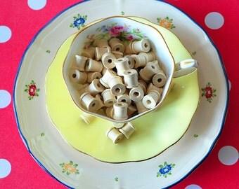 Little wooden spools, houten klosjes, spoeltjes