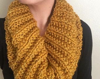 Yellow Green Ribbed Cowl