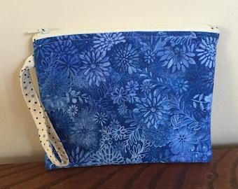 Wristlet/clutch purse - Blue floral