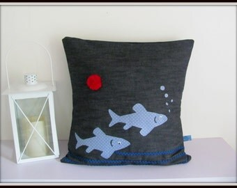 Cushion jean ground fish and Red Pompom
