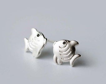 Silver Fish Earrings, sterling silver Fish Stud Earrings, fish earrings, fish studs, animal earrings, animal stud earrings