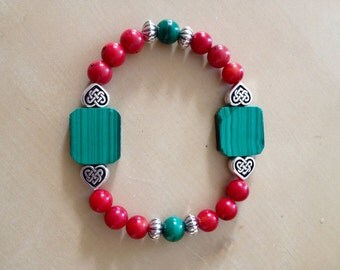Very nice bracelet with Malachite Russian and coral!
