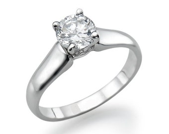 Gorgeous, classic 14K White Gold engagement ring