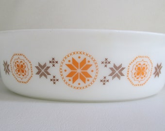 Vintage Pyrex Town & Country Casserole Dish 045