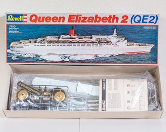 Revell Plastic model kits-Queen Elizabeth 2 1/450-1983-vintage-65 cm long!