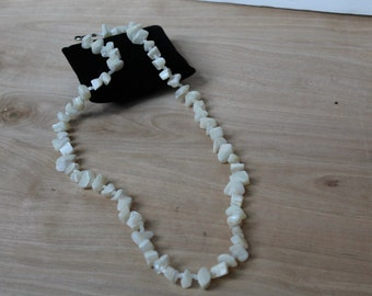 Heavy MOTHER of PEARL Beaded Vintage Necklace Hook Clasp [AG-60] **Clearance Priced**
