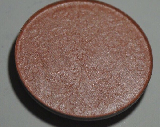 Persephone - Apricot Pink blush/highlighter with a very subtle sheen