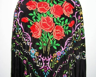 Lovely Antique Vintage Embroidered Silk Chinese Manton Piano Shawl Excellent Condition