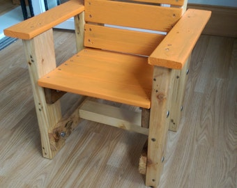 Children's solid pallet wood chair