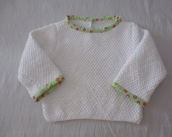 Pull white baby 1 year knitted hand