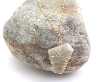 Wire wrapped gemstone necklace, agate necklace, geometric necklace, gemstone necklace, gold necklace, drop necklace, natural stone, boho