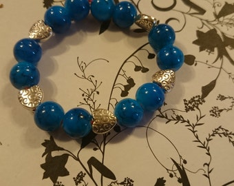 Beautiful Blue Beaded Bracelet with Patterned Heart Detailing