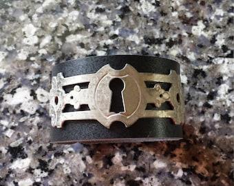 Unique antique keyhole bracelet *free U.S. shipping*