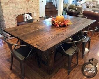 4 Post w/ Decorative Bracing Dining Table