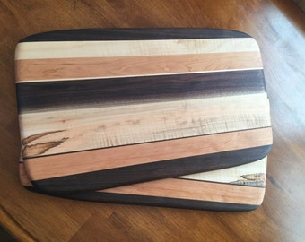 Random round edge cutting board