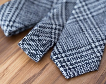 Black and White Houndstooth Plaid Wool Tie