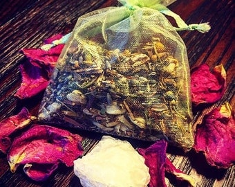 Money Drawing Juju Bag- Mojo, Voodoo, Hoodoo, Rootworking, New Orleans Voodoo, Aromatherapy, Gris Gris, Mojo Bag, Prosperity Drawing Charm