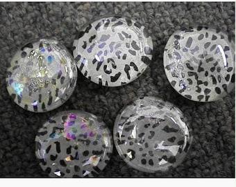 White cheetah print glass magnets