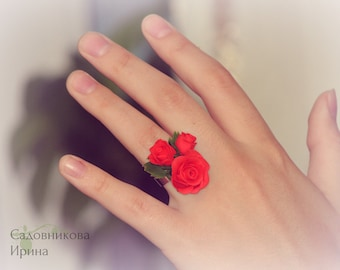 Ring with red roses.
