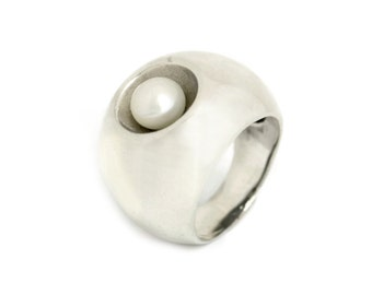 silver pearl ring, pearl ring, white pearl ring, silver ring, pearl jewelry, big ring, unique ring, silver pearl, silver jewelry, 925 silver
