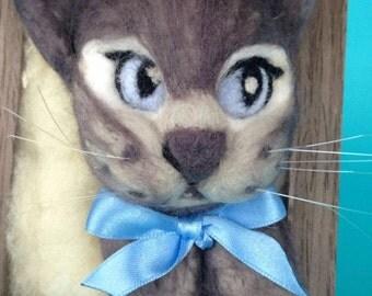 Needle felting cat/photo frame made of wool/unique/needle felting/felt kitten