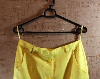 Vintage yellow 80s skirt!