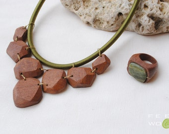 Wood and brass necklace