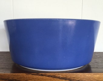 PYREX Brittany blue 483-B 1 1/2 qt. round ovenware bowl (RARE) 1967