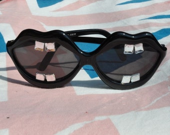 Toothy Smile Sunglasses