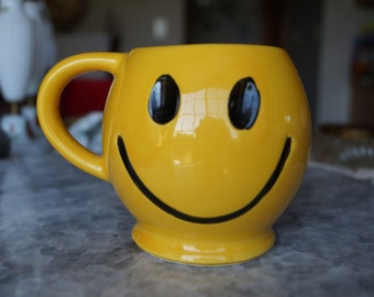 Vintage McCoy Yellow Smiley Mug