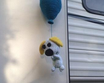 Crochet bear and his ballon