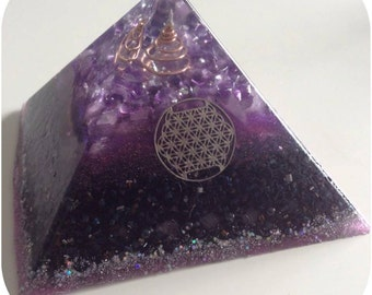 Violet Flame Orgonite Pyramid
