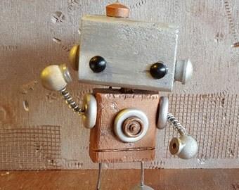 B.U.D.D.Y. wooden robot