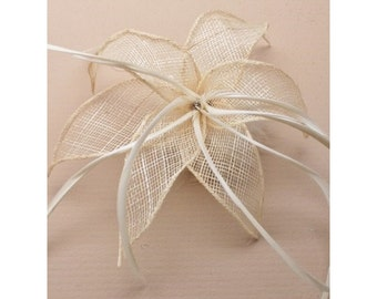 Cream Fascinator. Cream fabric mesh flower & feathers fascinator on a forked clip / brooch pin. Wedding Fascinator, Cream Headdress