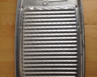 Antique 1930s Magiclean Aluminum Washboard