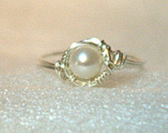 Sterling silver wire & fresh water pearls ring