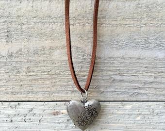 Heart locket/brown suede necklace
