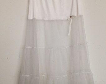 Sweet vintage 50s white crinoline