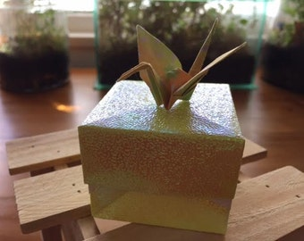 OrigamiDreamz - yellow sparkle origami box