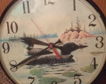 """Vintage 1992 Acu-rite Loon Wall Clock 12.5"""" Diameter Analog 12 Hour Display"""