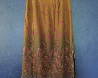 Large vintage high waisted skirt