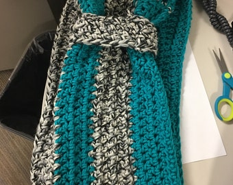 Pretty scarf for fall and winter