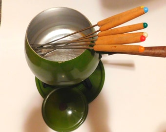 1960s Full FONDUE Set - W/Forks and Lid.  Enamel Olive Avocado Green CHEESE ON!